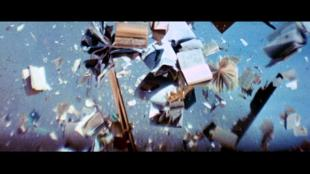 zabriskie_point-books-explosion